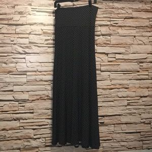 LulaRoe Maxi Size M Black w White Polka dots